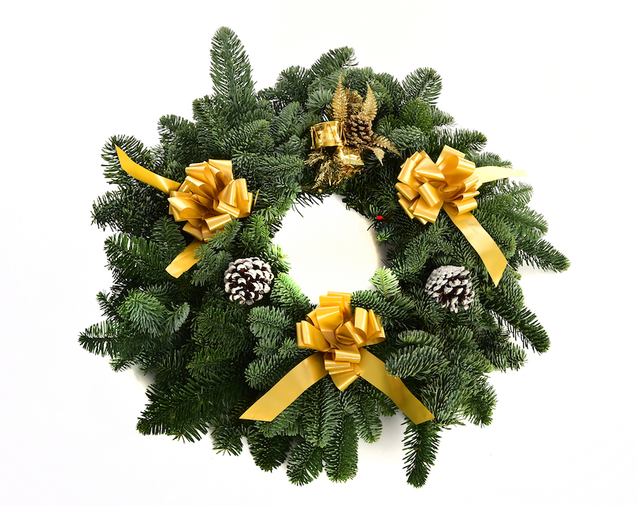 Deluxe Noble Fir Wreath (Gold)
